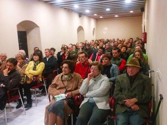 Presentación-de-Perdidos-en-El-Viso-del-Alcor-con-Cristina-Martín-Jiménez-2